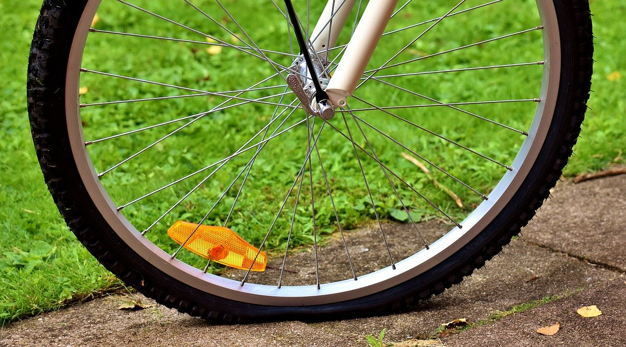 How To Fill Presta Valve For Your Mountain Bike 6 - tire pressure