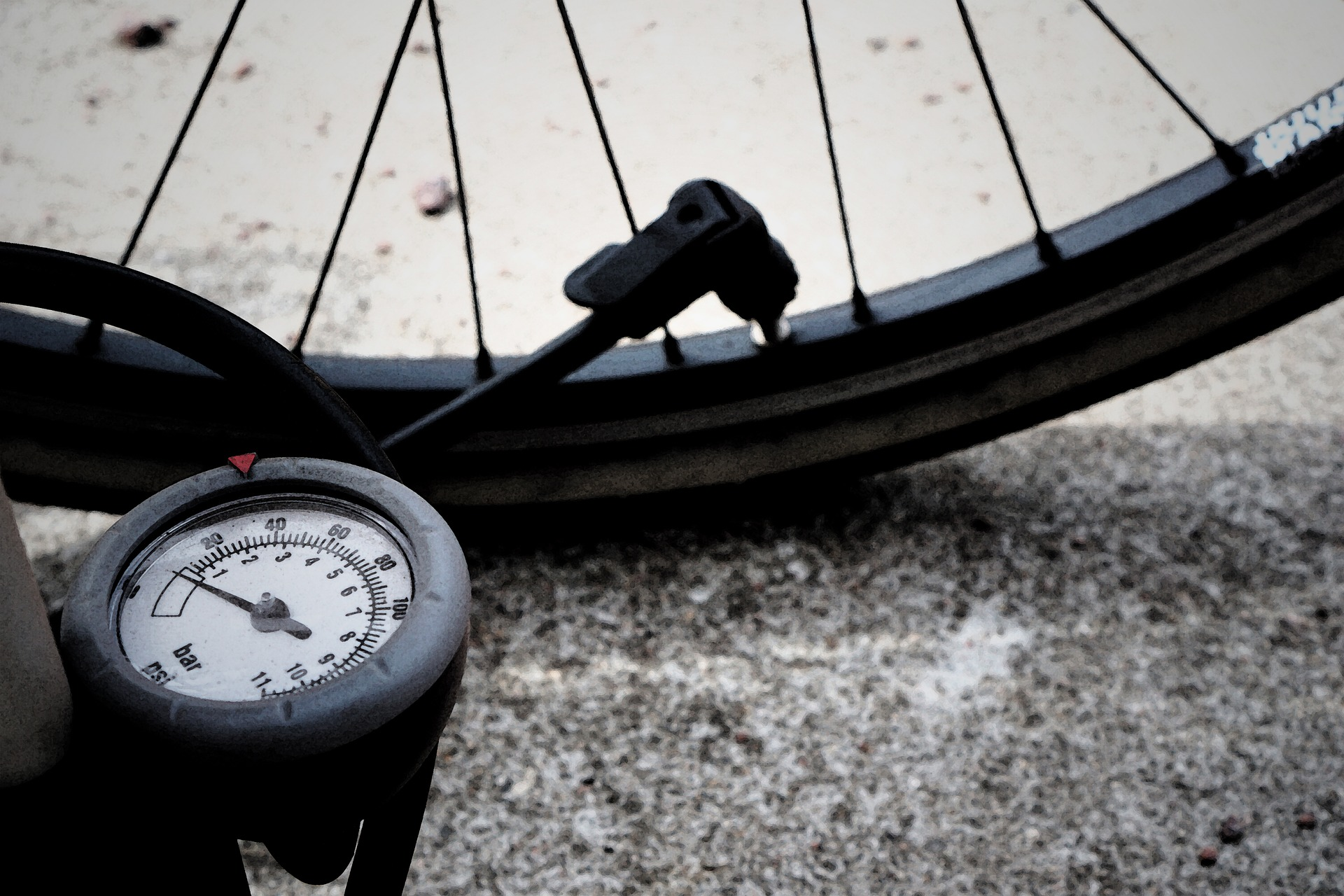 How To Fill Presta Valve For Your Mountain Bike 7 - tire pressure